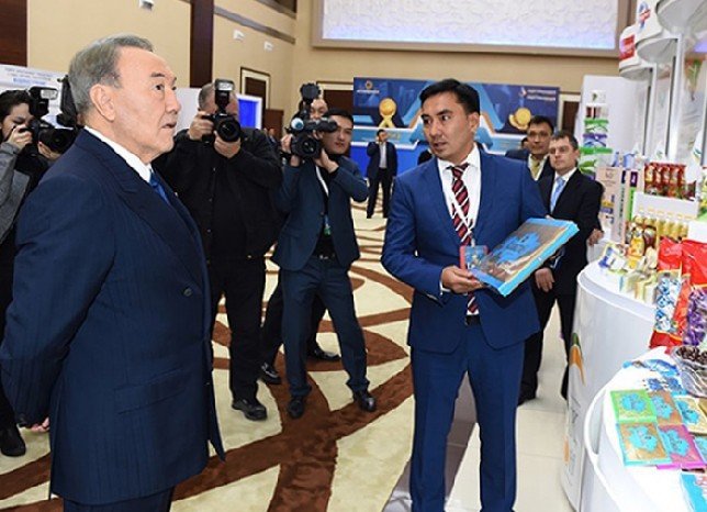 Президент РК ознакомился с производством кондитерской фабрики АО «Баян Сулу» в Костанае